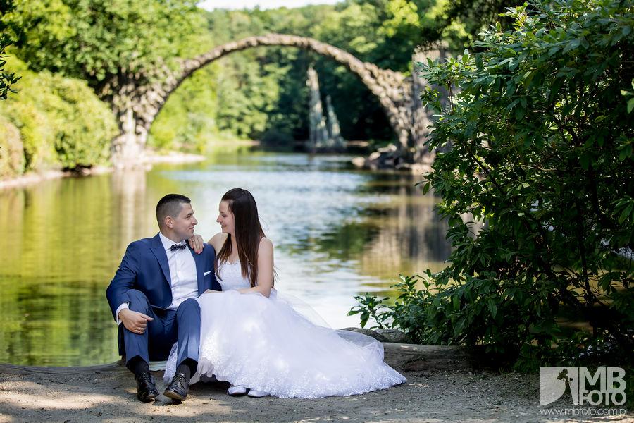 Marta i Szymon plener 11 Marta i Szymon | plener ślubny | zamek Bad Muskau | Most Rakotza w Kromlau